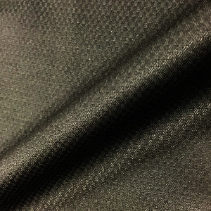 黒いYシャツをコーディネート