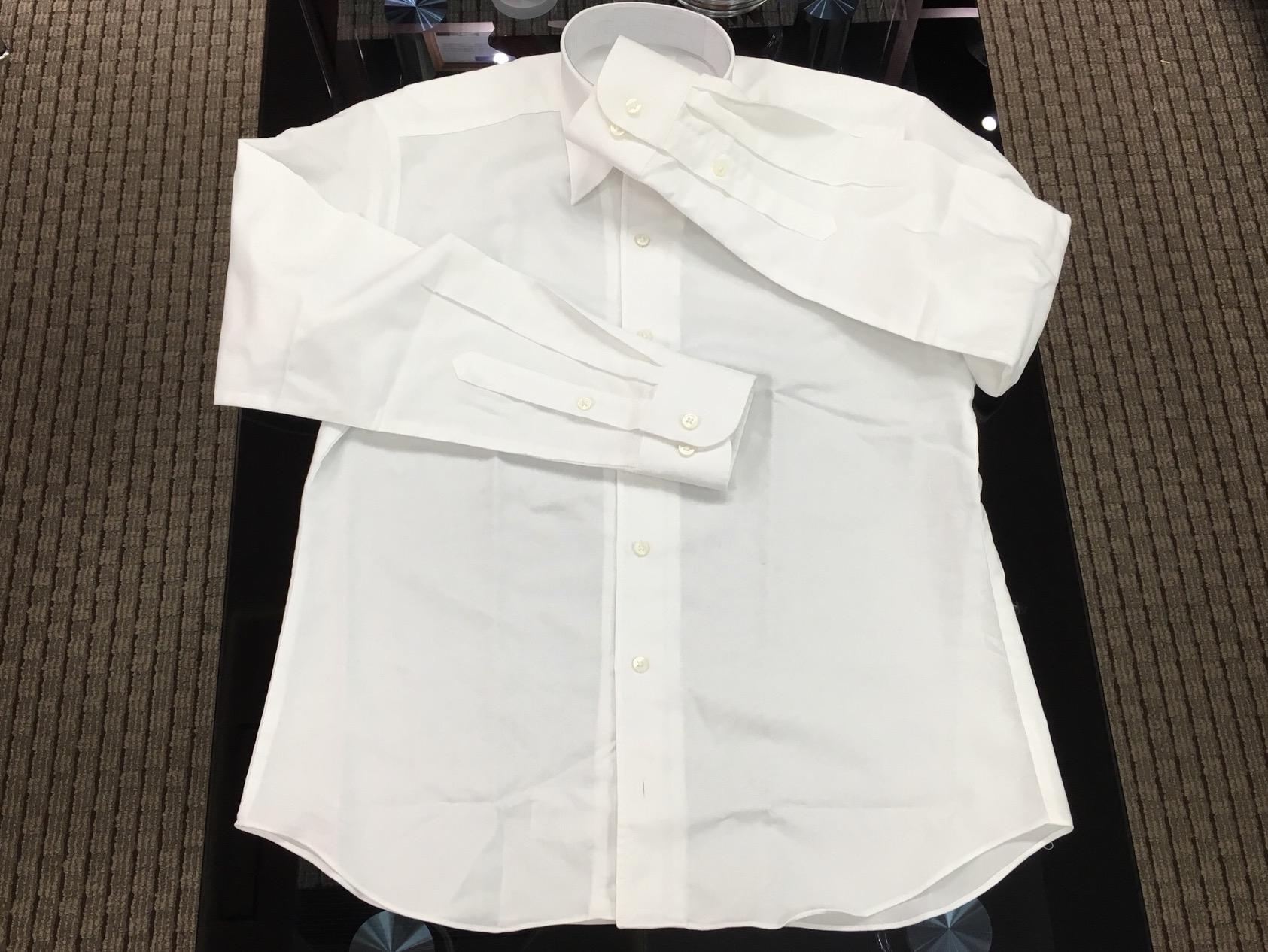 シャツの裾口