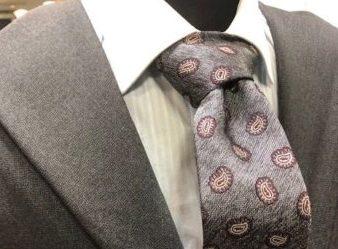 スーツ、ネクタイ組み合わせ