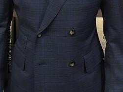 チェックのスーツ