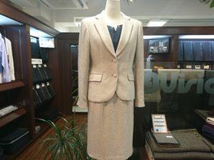 ジャケット生地でスカートスーツ