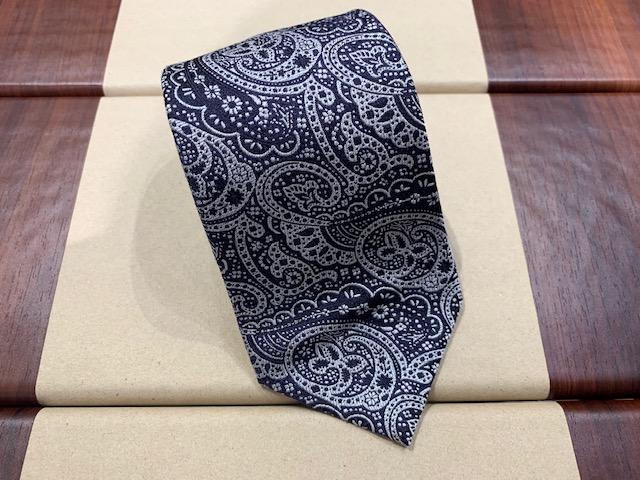 ネクタイはいかがですか?
