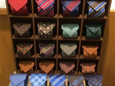ネクタイ、小物雑貨が30%off。
