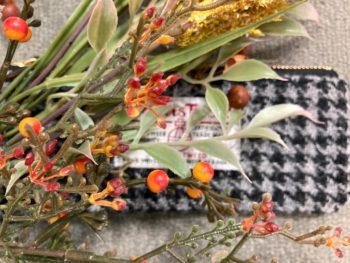 ハリスツイード、素材と色彩で選ぶ秋冬のアクセント
