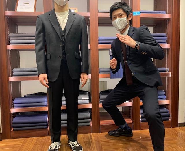 素敵なスーツのご紹介です!!