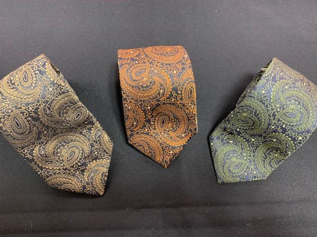 素敵なネクタイが入荷しました!!