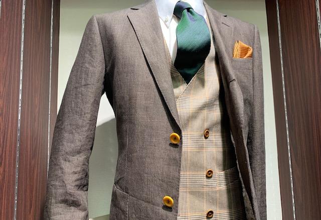スーツのボタンはどうしますか?